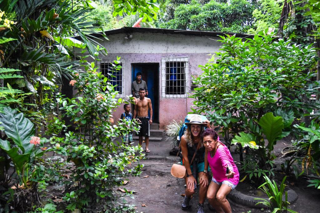Notre Belle Echappée en photo avec des locaux en amérique latine