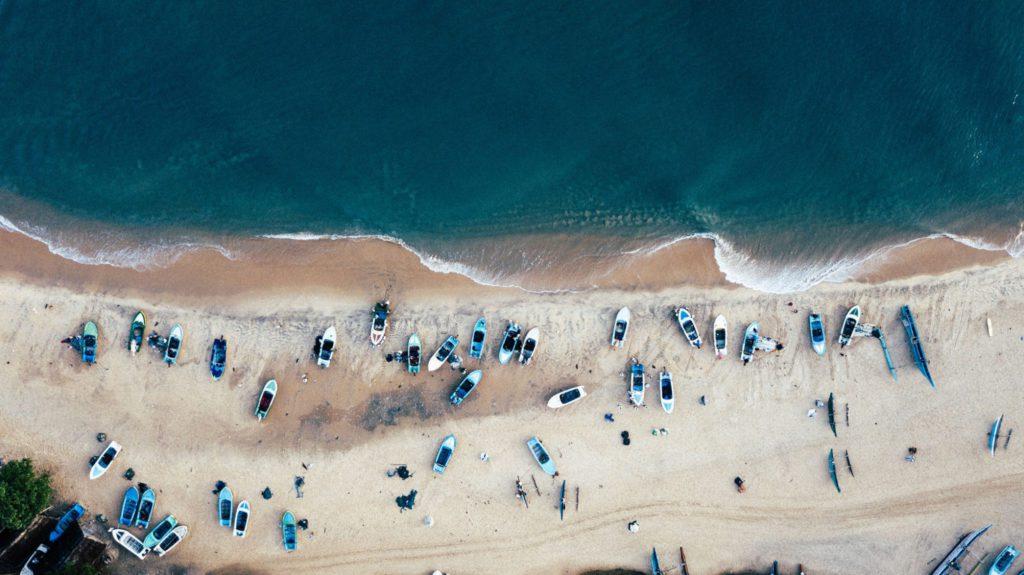 vue aérienne de la plage Arugam Bay au Sri Lanka