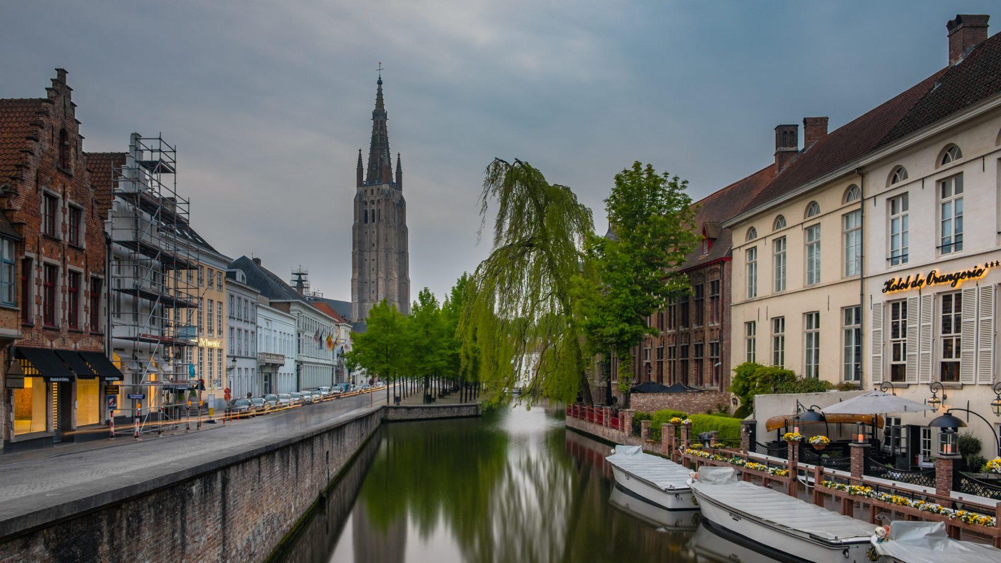 Visiter Bruges en automne : gaufres, canaux, jolies maisons…