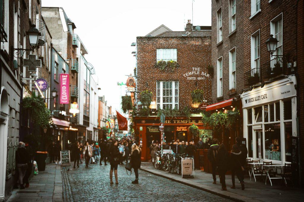 Rue de Dublin en mars pendant la Sainte-Patrick