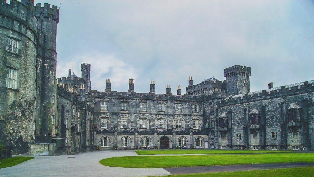 Chateau medieval de Kilkenny en Irlande