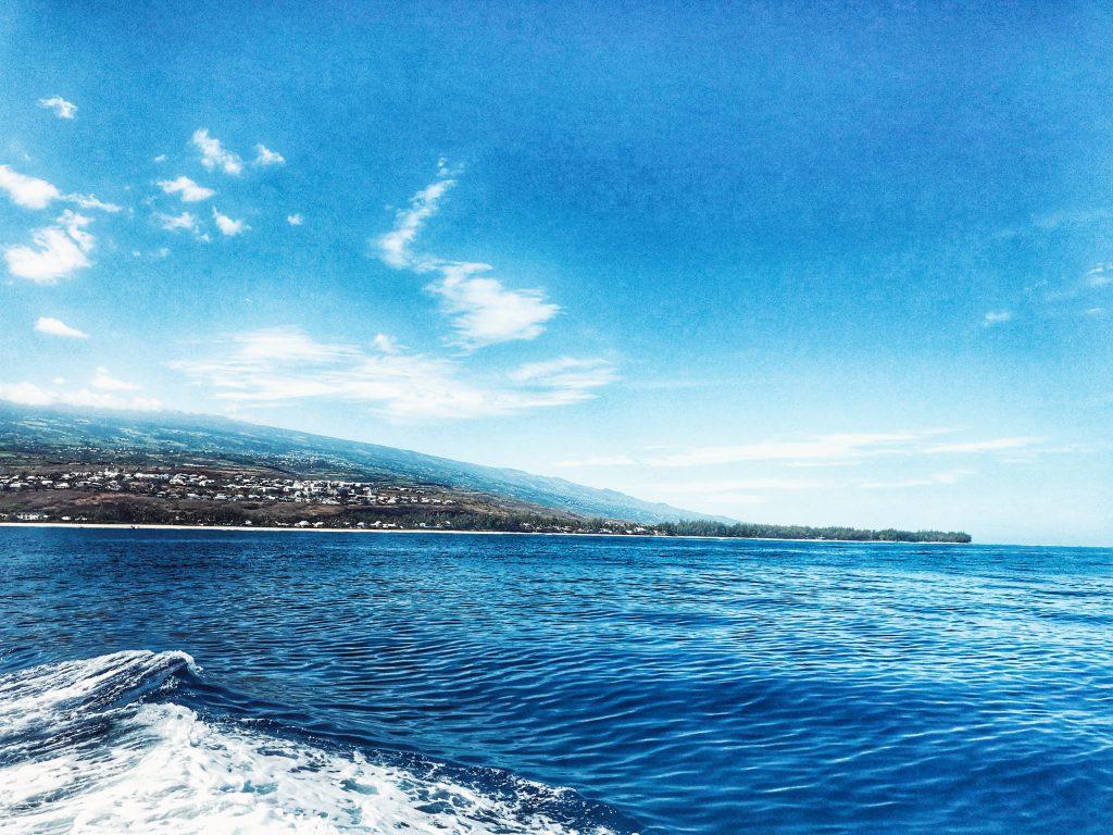 Sortie en bateau et vue sur la côte réunionnaise