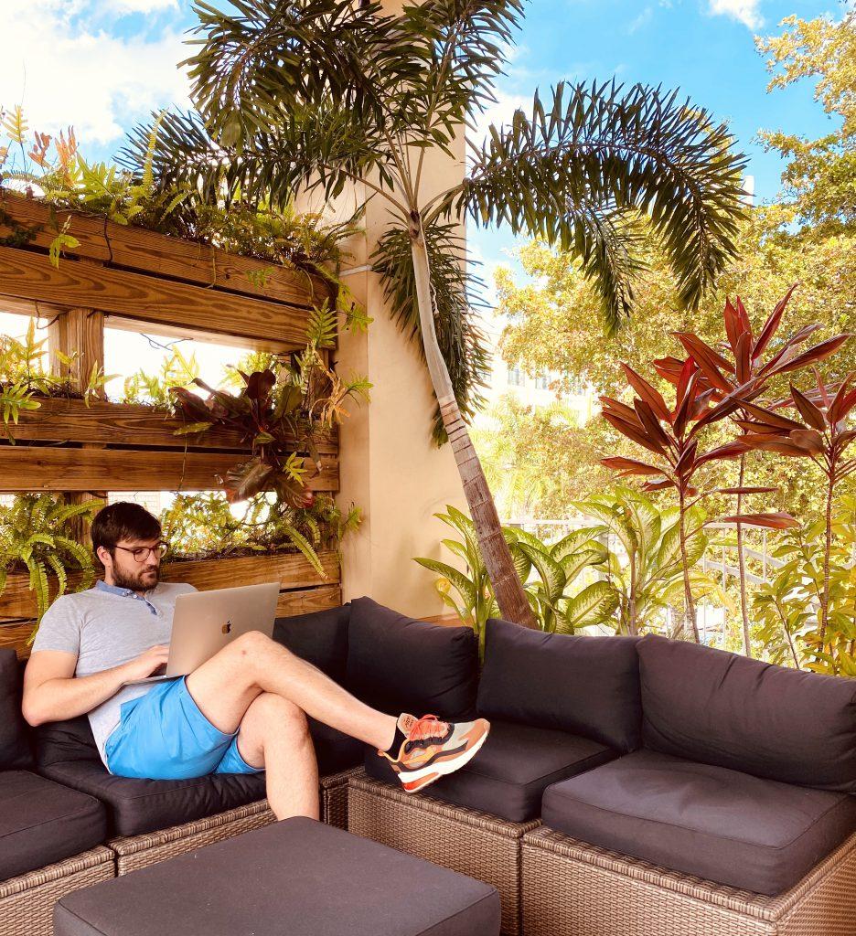 Baptiste Hamain cofondateur Fizzer Tamboworks coworking Miami