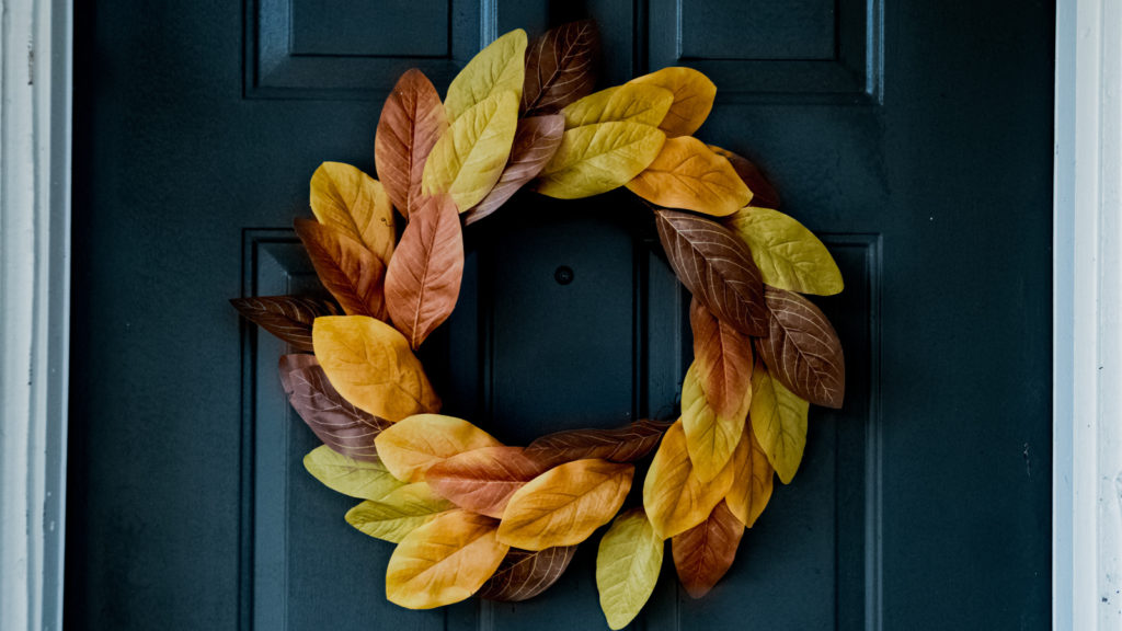 Couronne de feuilles d'automne pour activite manuelle