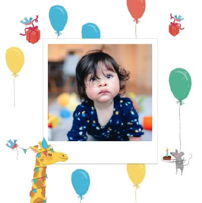carte anniversaire pour enfant avec girafe et ballons