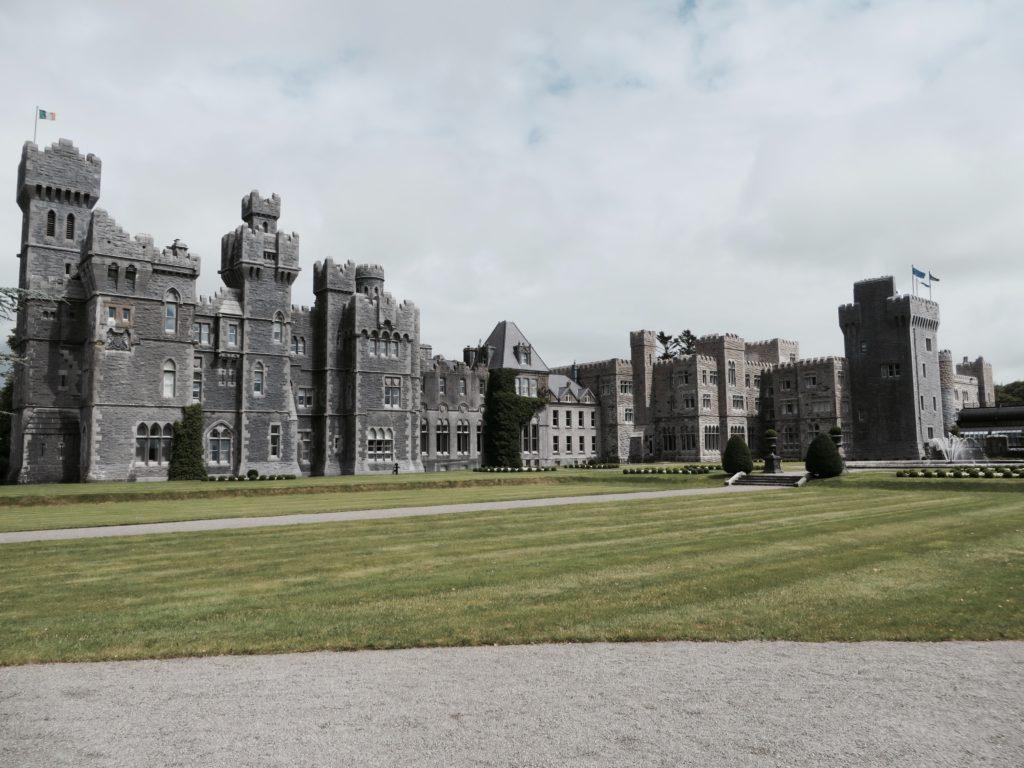 chateau d'Ashford a Cong en Irlande du Nord lieu de la tribu de Dana