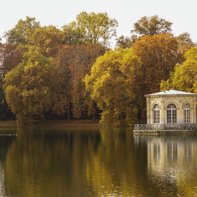 discover fontainebleau france