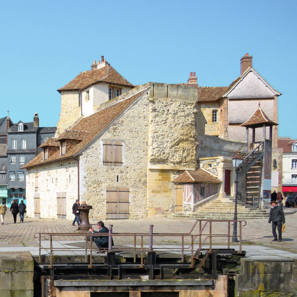 discover the lieutenance in honfleur