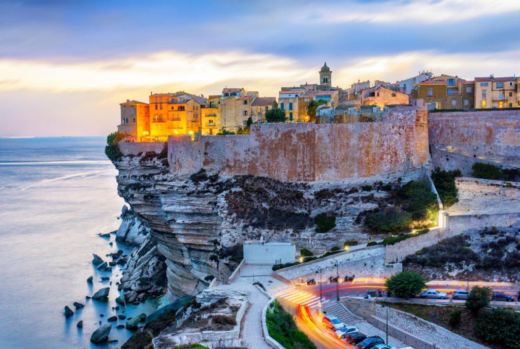 Ville de Bonifacio Corse pour vacances familiales en France