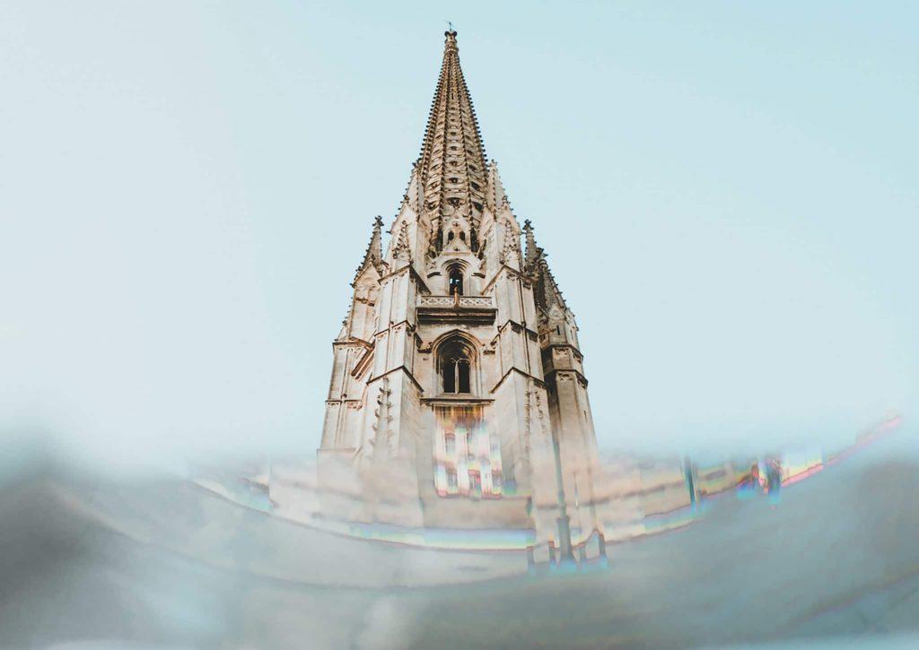 Vue sur clocher à Bordeaux à visiter pour les Journées du Patrimoine