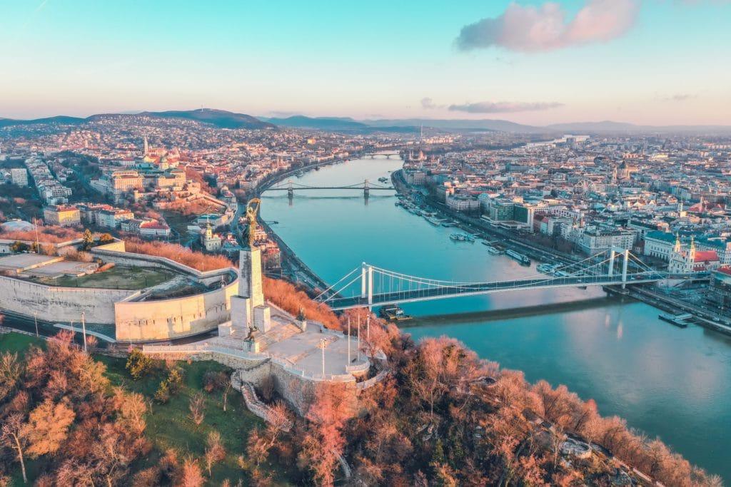 Vue aérienne de Budapest, capitale de Hongrie à 3 heures de vol de Paris