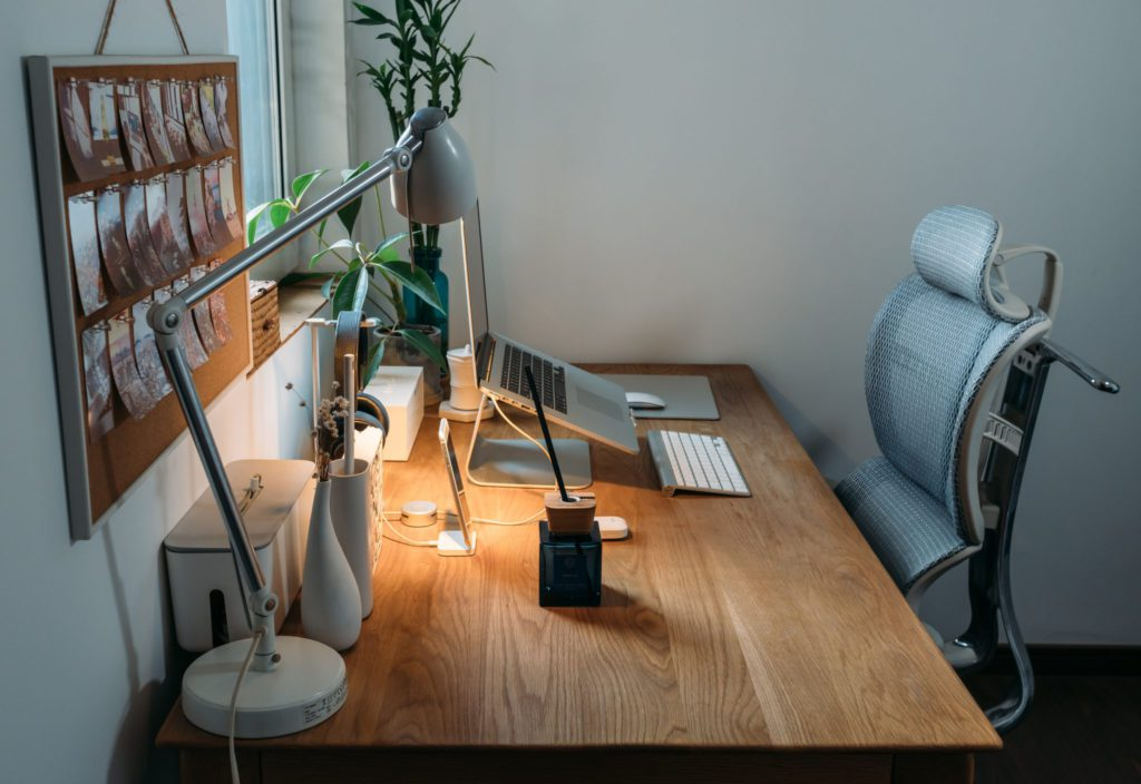 Bureau ergonomique et motivant télétravail