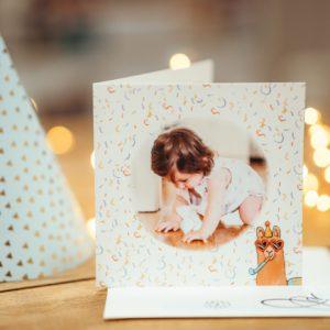 carte d'anniversaire pour enfant avec confettis et lama
