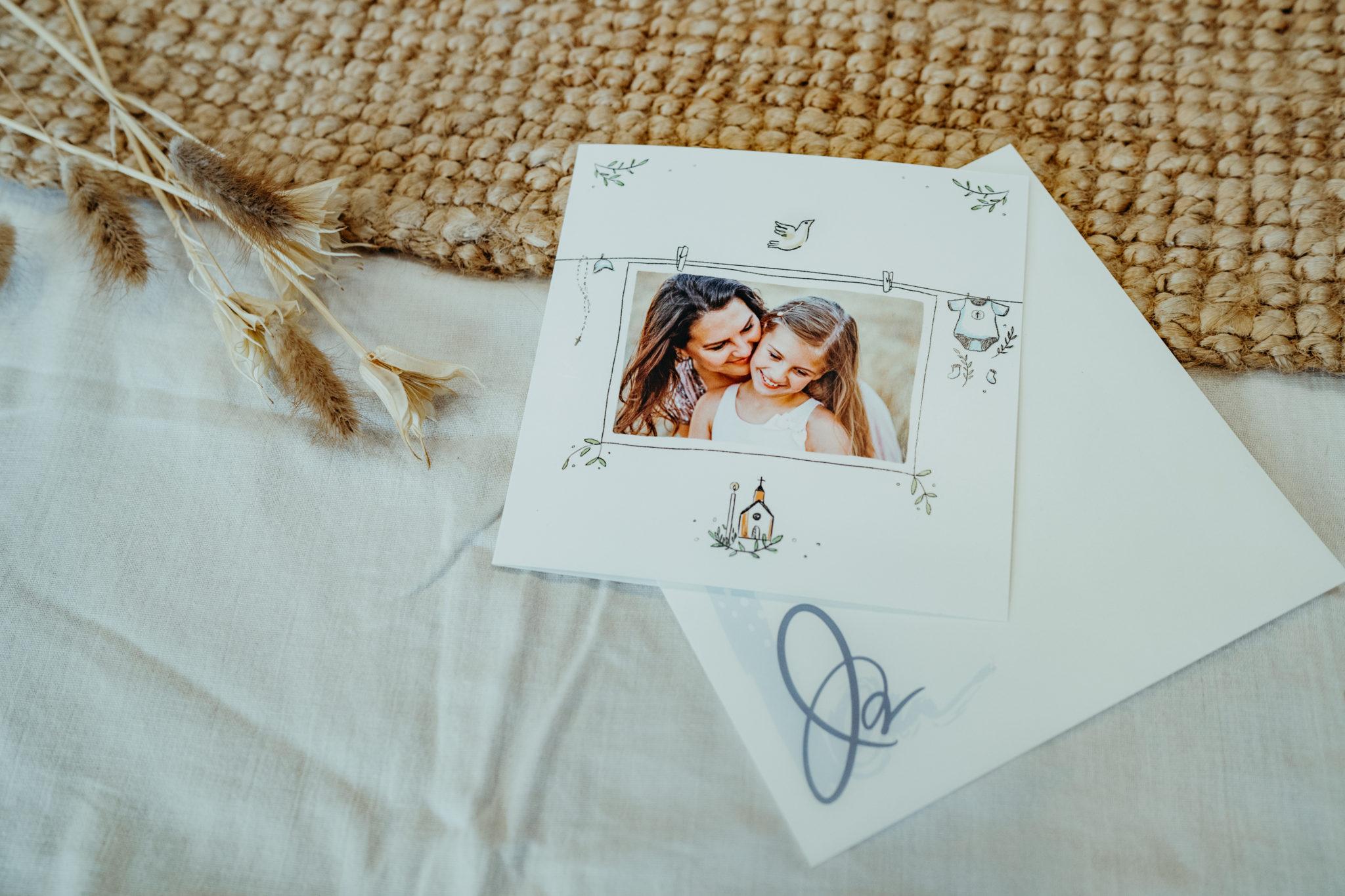 carte bapteme avec photo maman et fille