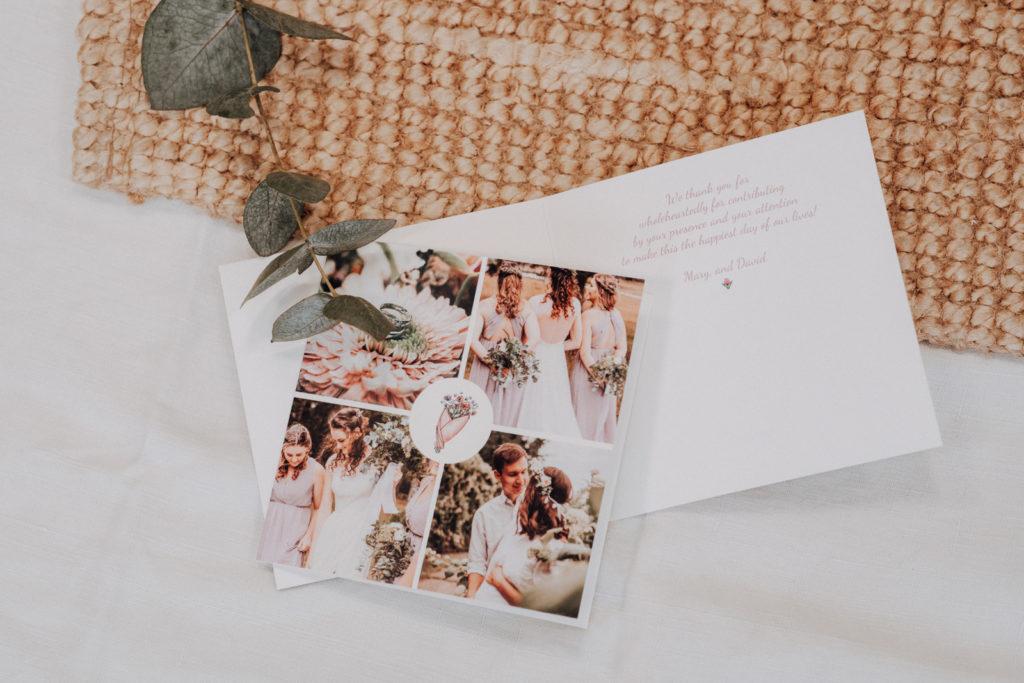 carte de remerciements mariage avec photo et bouquet de fleurs