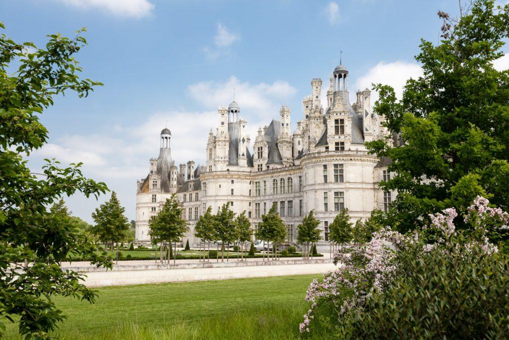Vue du chateau de chambord pour vacances familiales en france