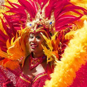 costume rouge et orange carnaval de rio