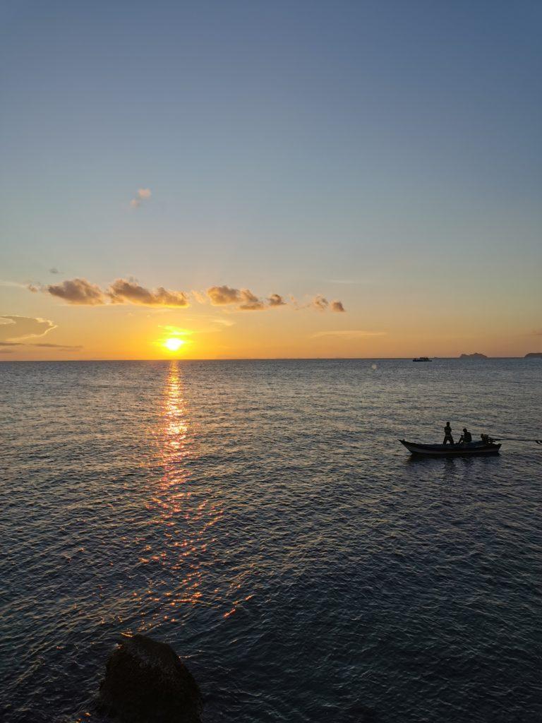 coucher de soleil avec vue mer