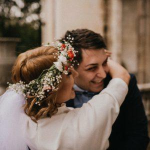 couple lors de ceremonie de mariage civil