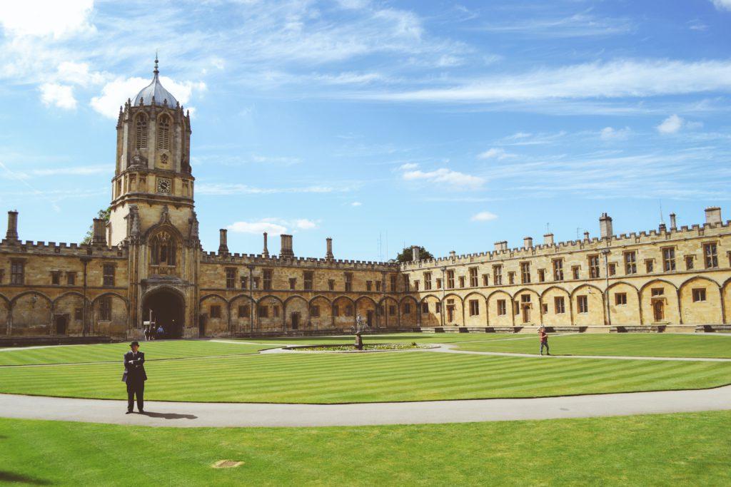 cour de l'universite oxford uk