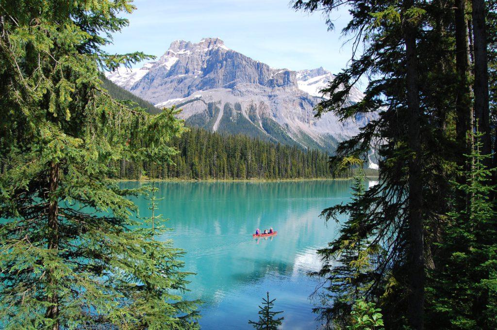 Lac Emeraude au Canada, vacances à la montagne