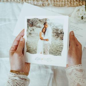 faire-part de mariage boheme ou champetre blanc avec brin