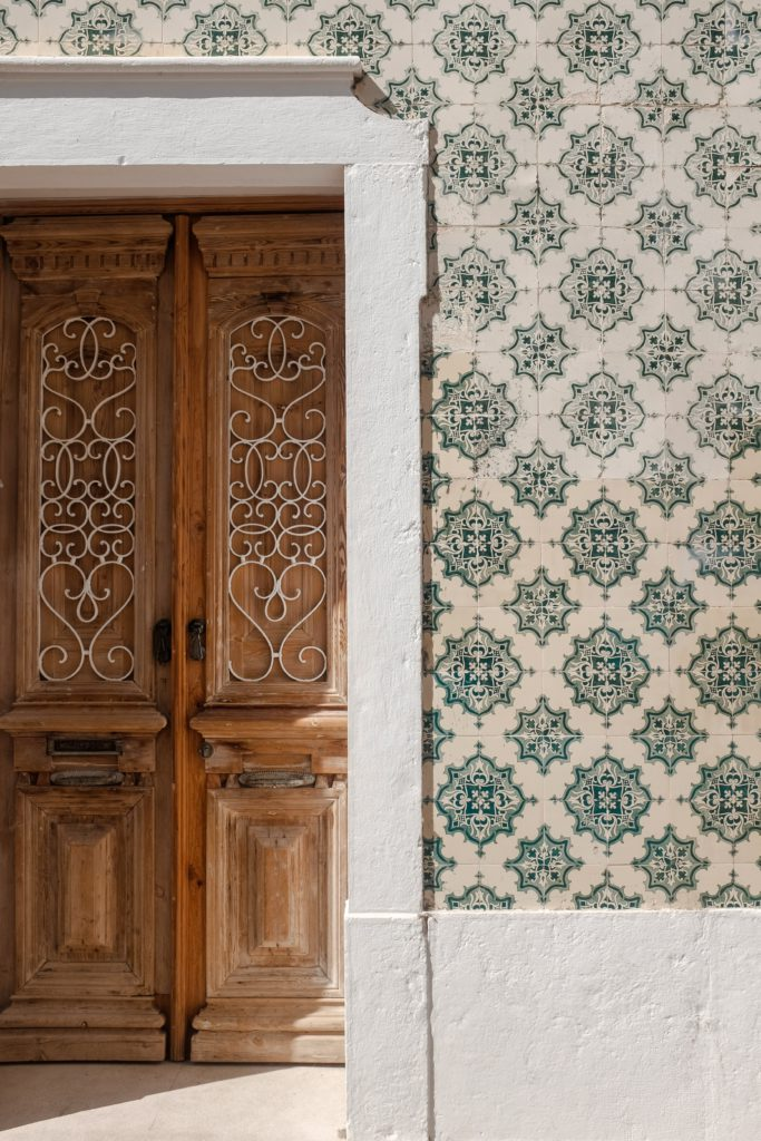 Porte et mosaique Algarve Portugal
