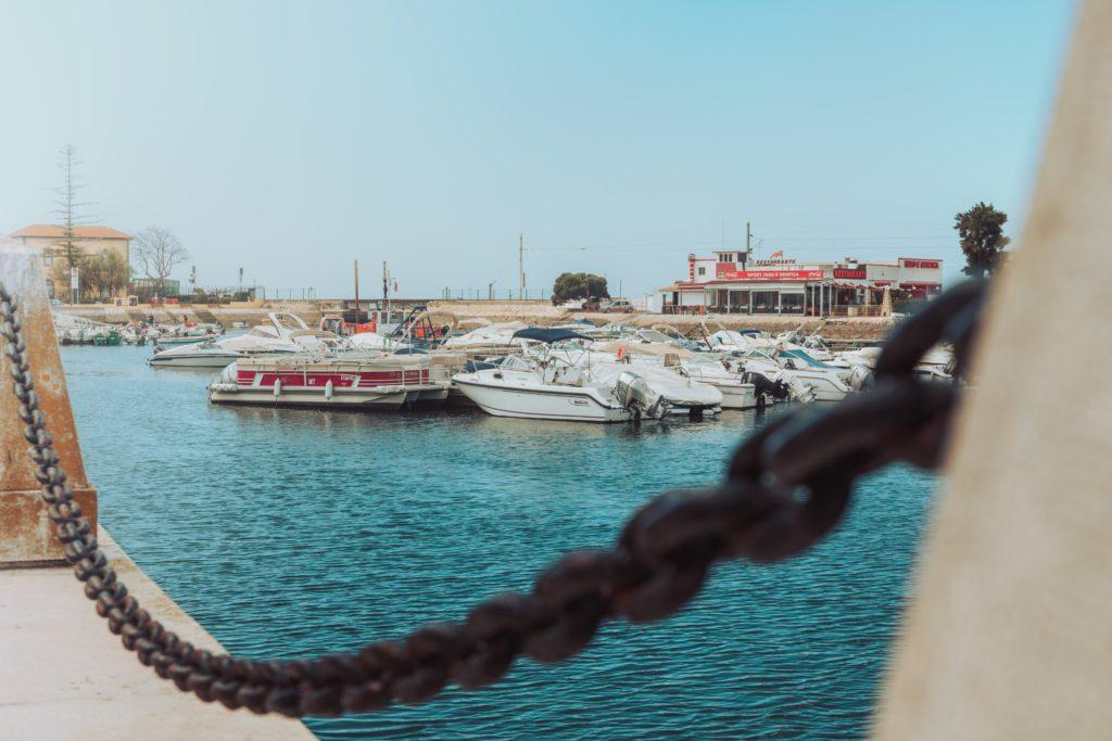 port ville de Faro au sud du Portugal