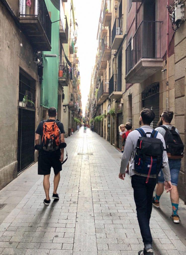 L'équipe Fizzer allant au coworking à Barcelone