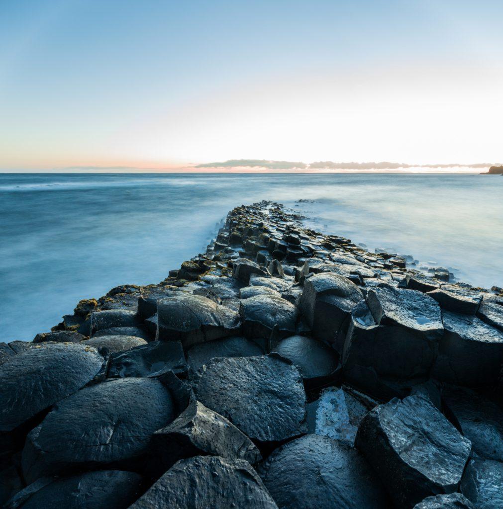 chaussee des geants paysage fantaisie en Irlande du Nord
