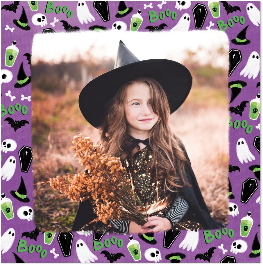 Carte Halloween violette avec fantomes