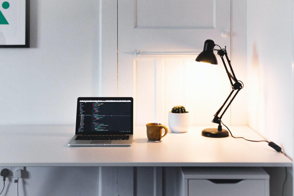 Lampe de bureau pour protection des yeux