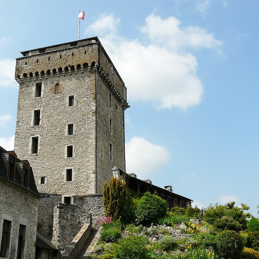 lourdes medieval monument