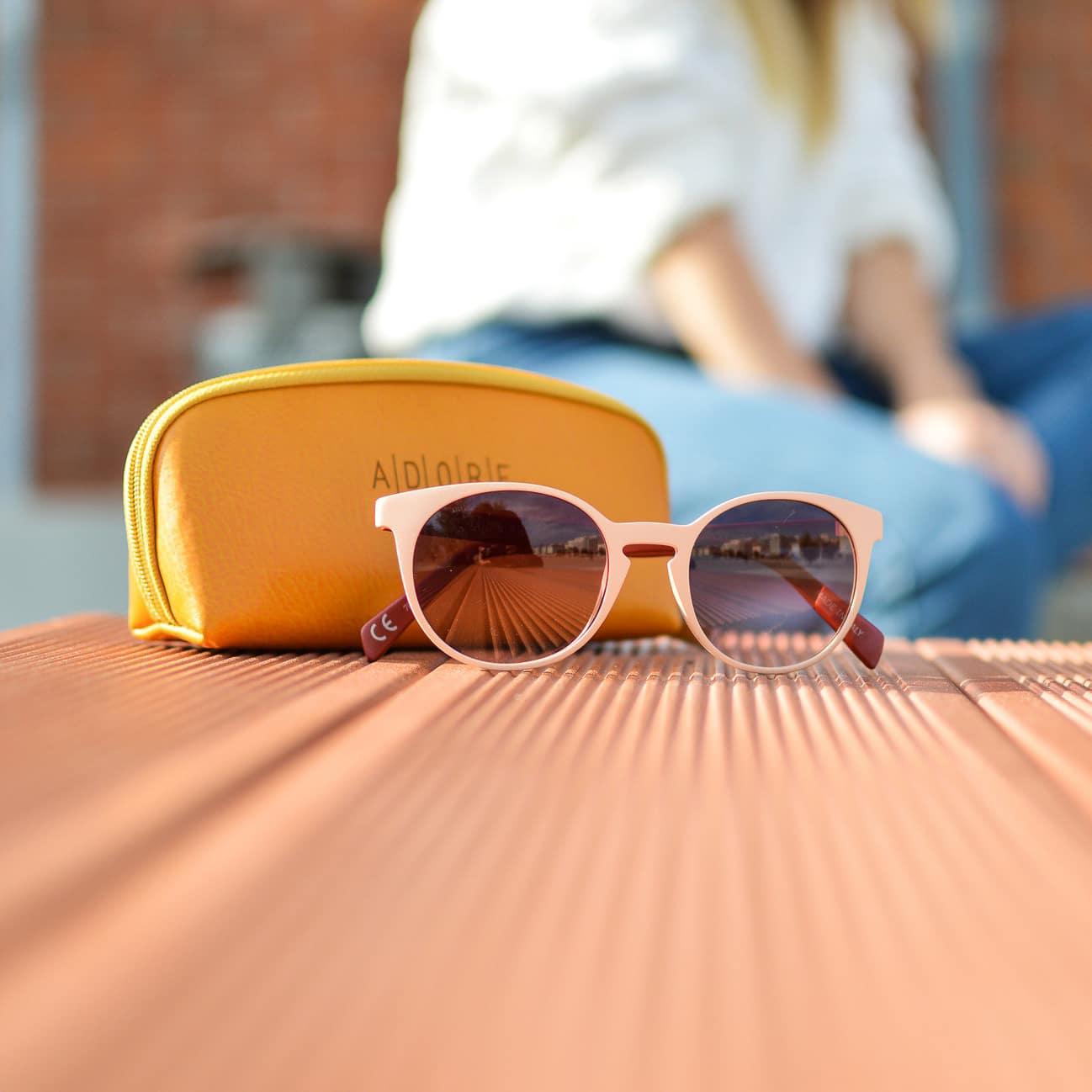 Lunettes de soleil responsables à mettre dans son sac de plage pour l'été