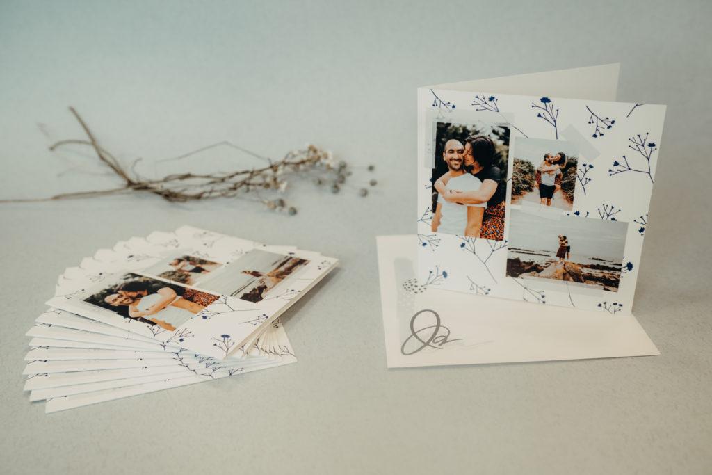 carte mariage avec brindilles bleues en fond