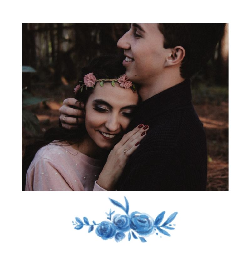 invitation de mariage avec couronne de roses bleues