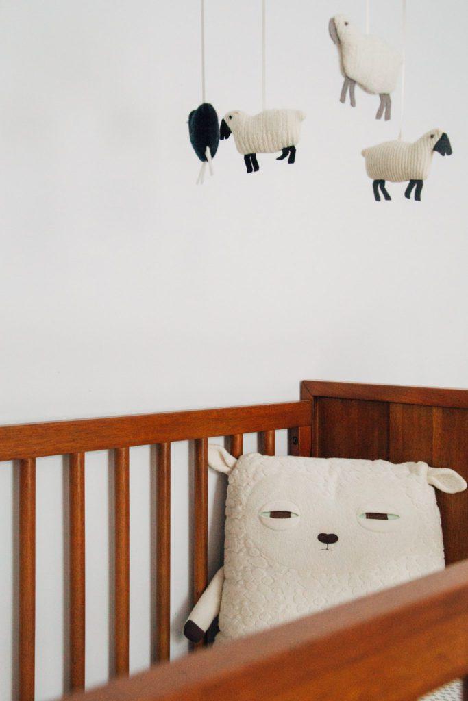 Mobile pour enfants moutons