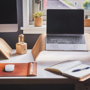 Bureau ergonomique et esthetique pour garder sa motivation en télétravail