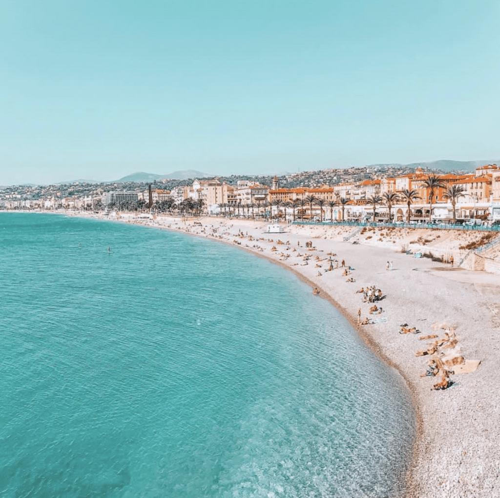 Plage à Nice, sud de la France
