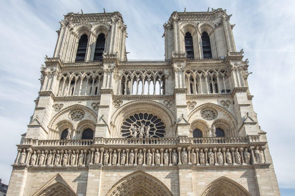 Cathédrale Notre-Dame-de-Paris, monument parisien de 800 ans