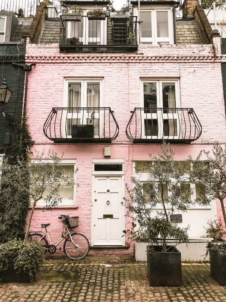 face rose avec balcon a Notting Hill Londres