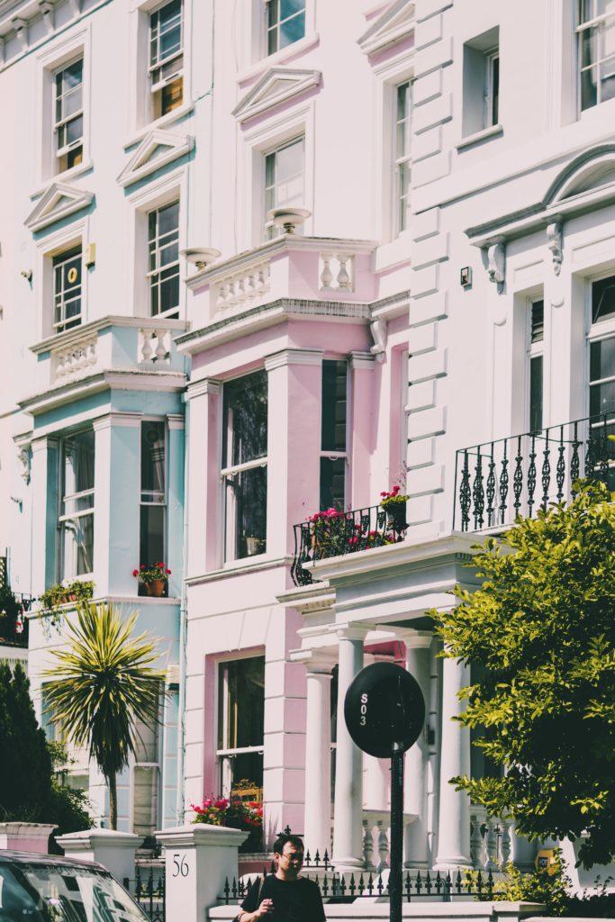 Facades roses et bleues Nottinghill Londres