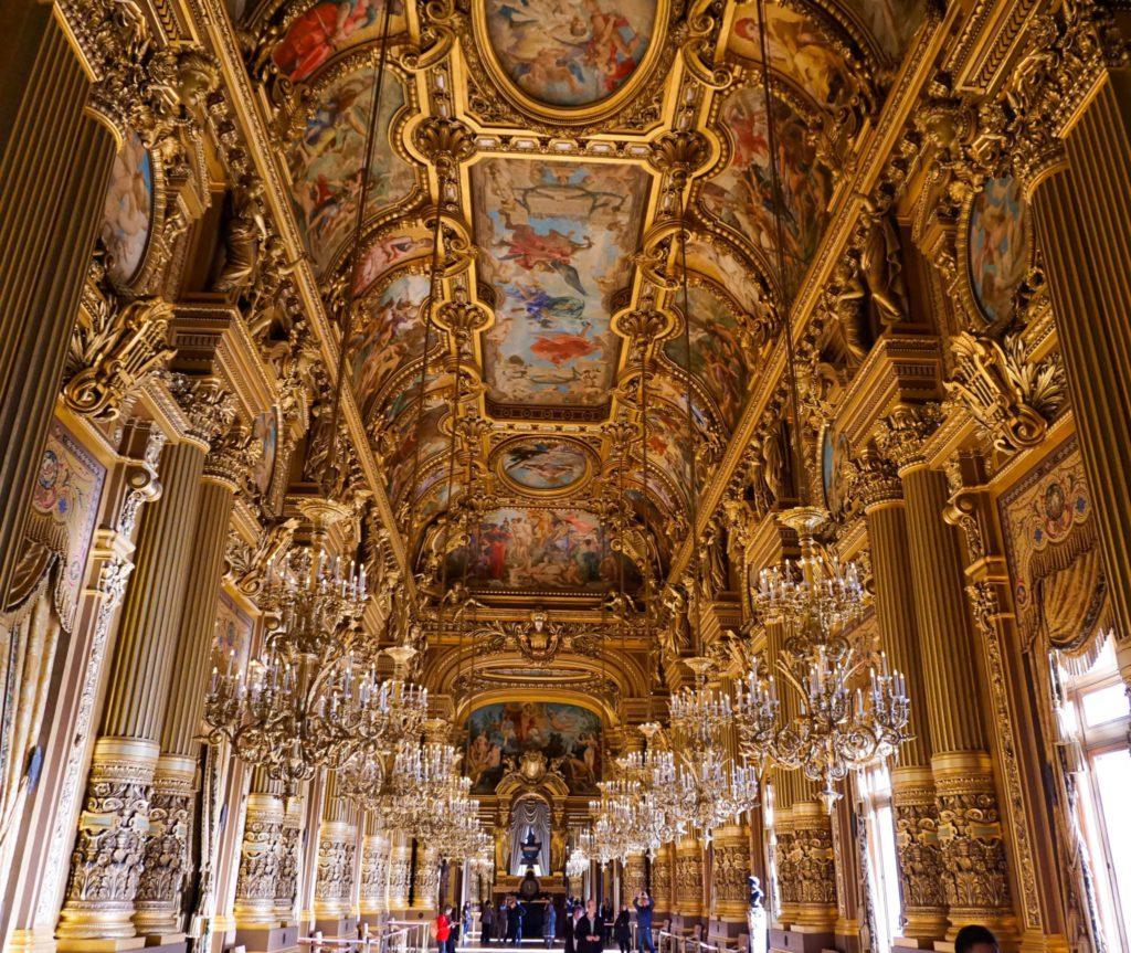 Palais Garnier, monument parisien également dédié à l'opera