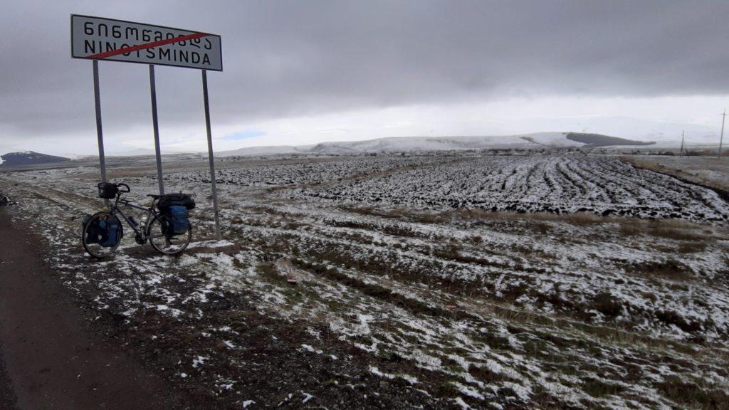 Panneau dans la neige