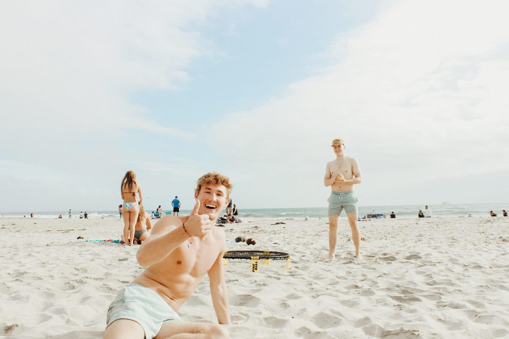 Amis a la plage jeux