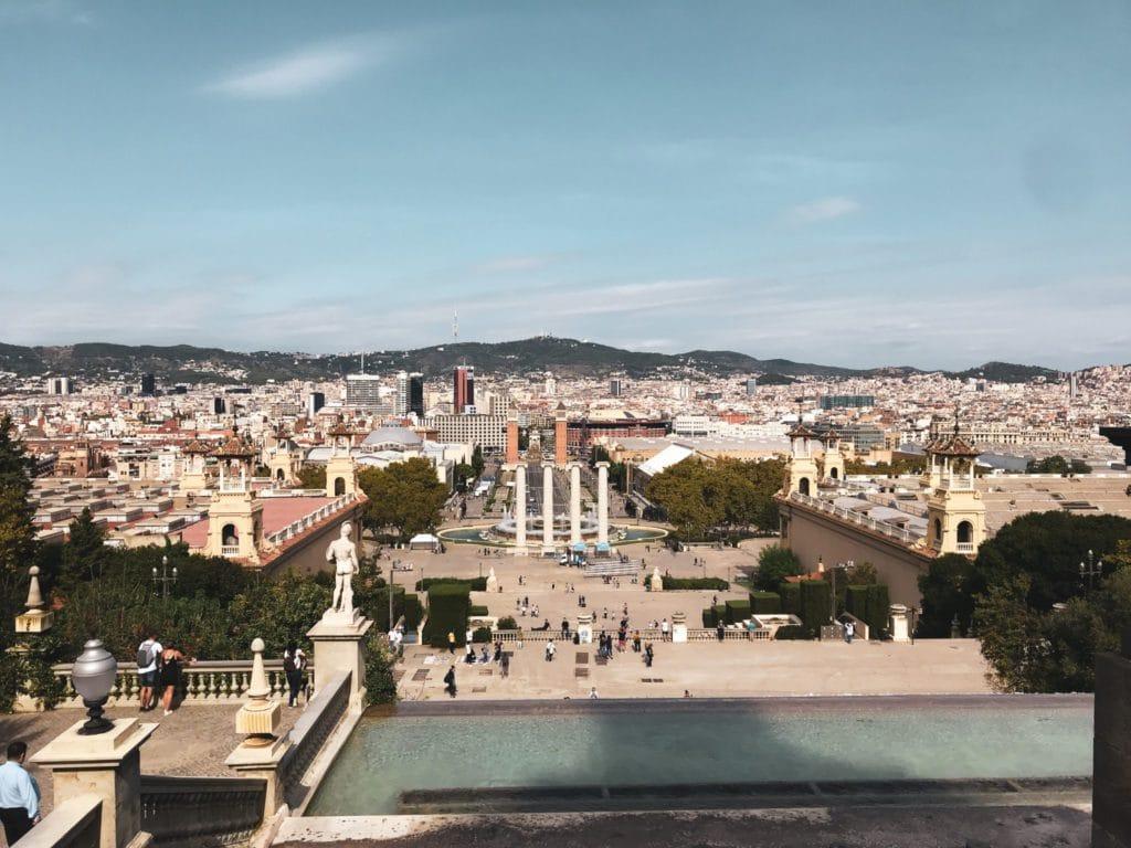 Vue sur la ville de barcelone pendant la retreat