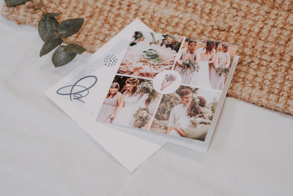 carte de remerciements mariage avec bouquet de fleurs