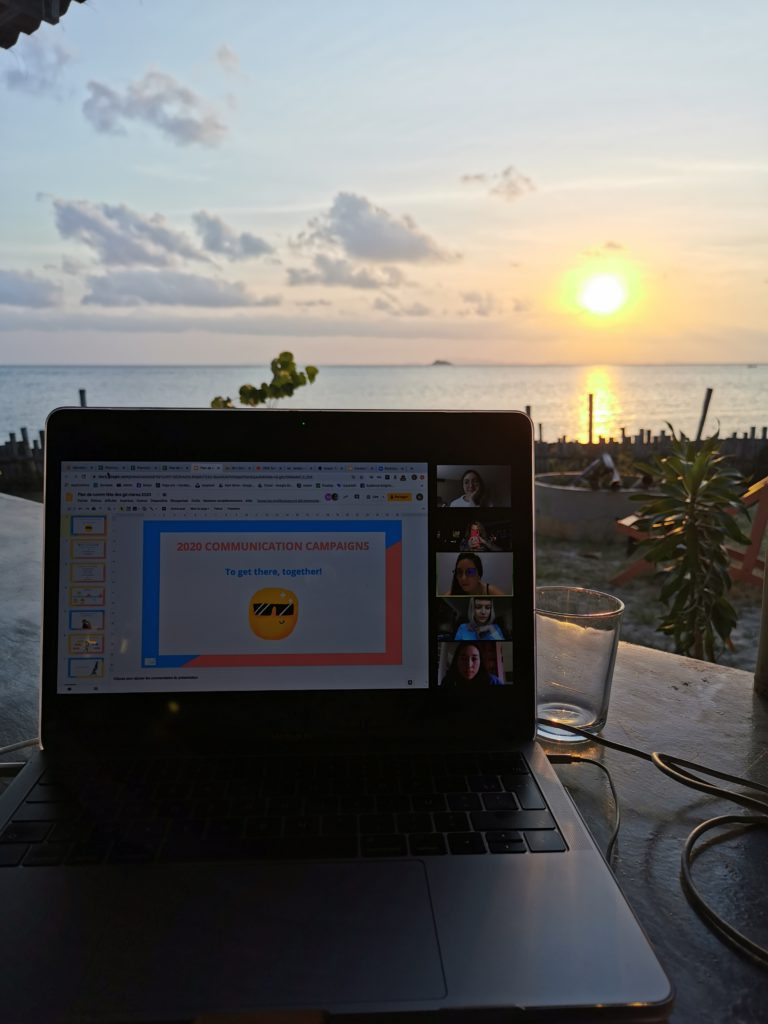 macbook de Shirley en remote pendant son voyage en thaïlande