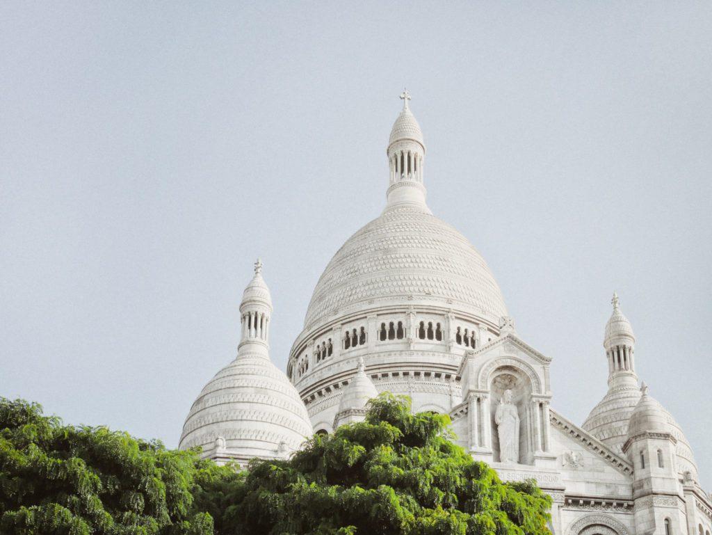 Le Sacré-Coeur, monument parisien au sommet de la butte Montmartre