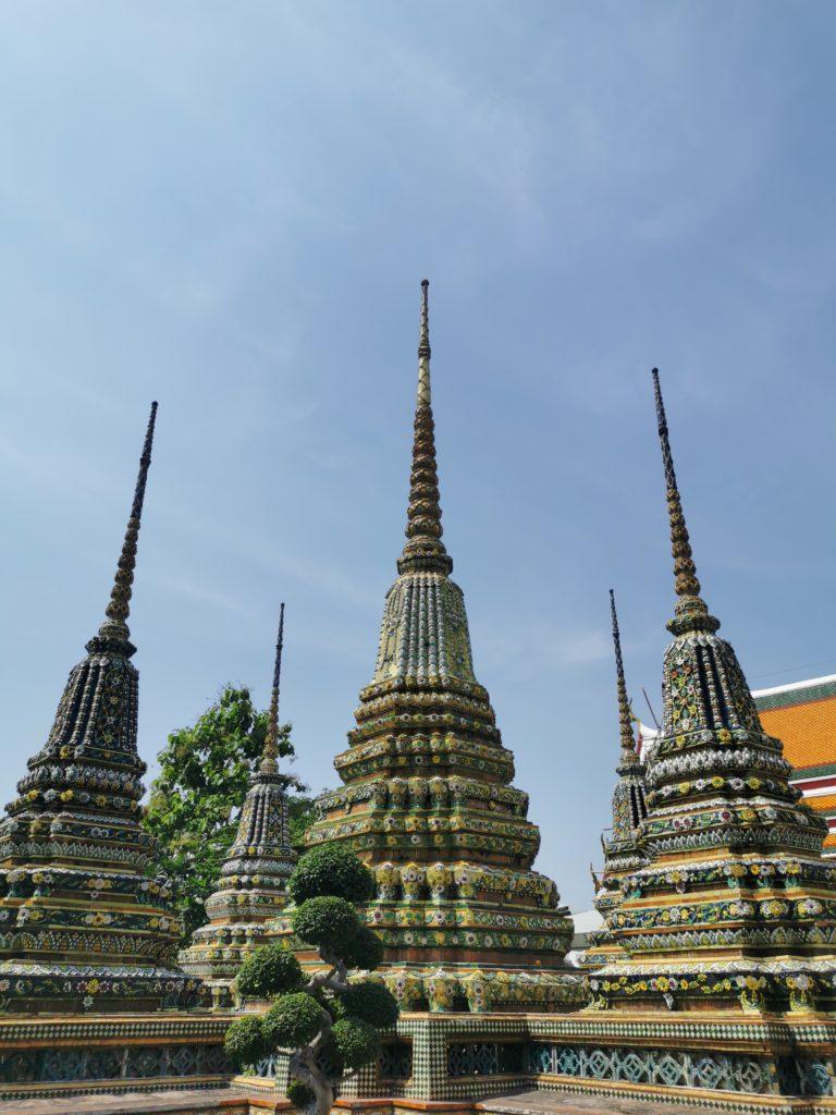 temples pointus en thaïlande
